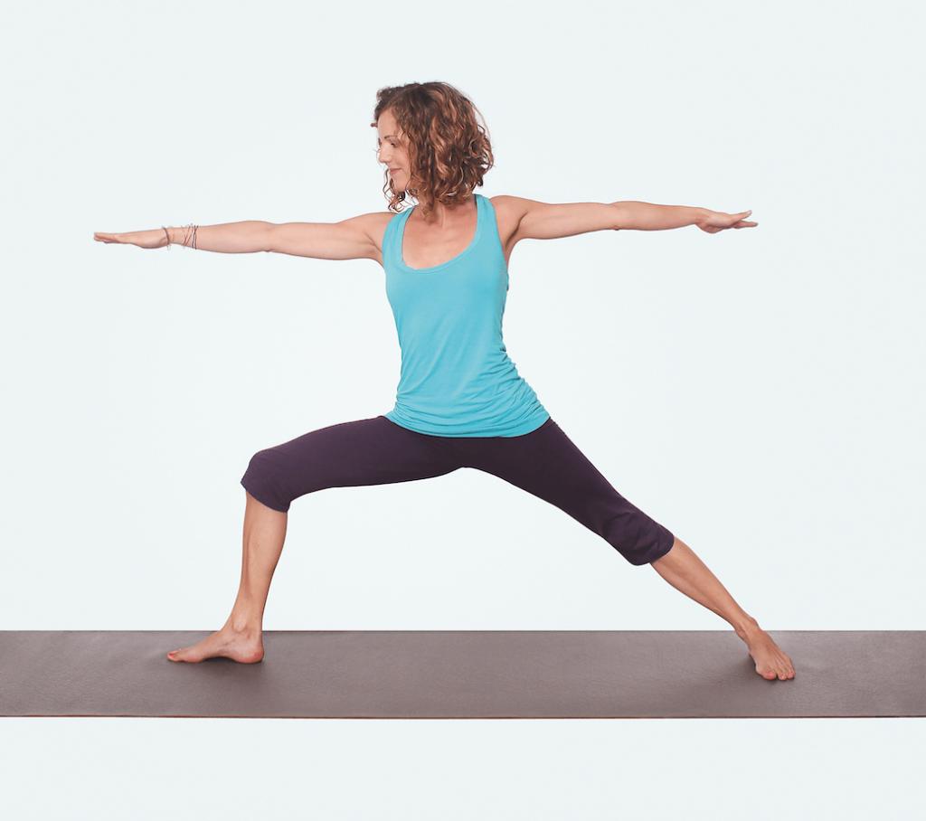 Yogaeinheit für Nacken und Schultern – Yoga Virabhadrasana Heldenhaltung