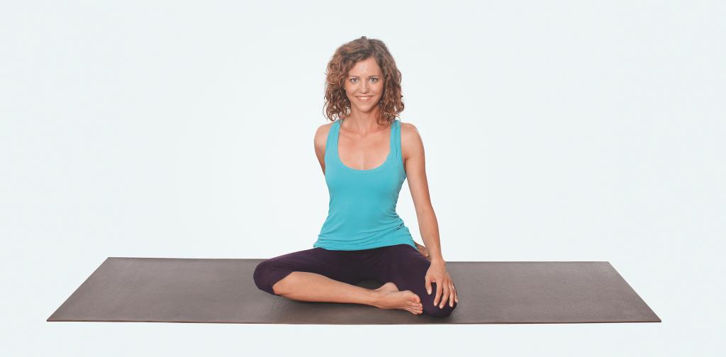 Yoga für Nacken und Schultern – Yogaübung Drehsitz Variante