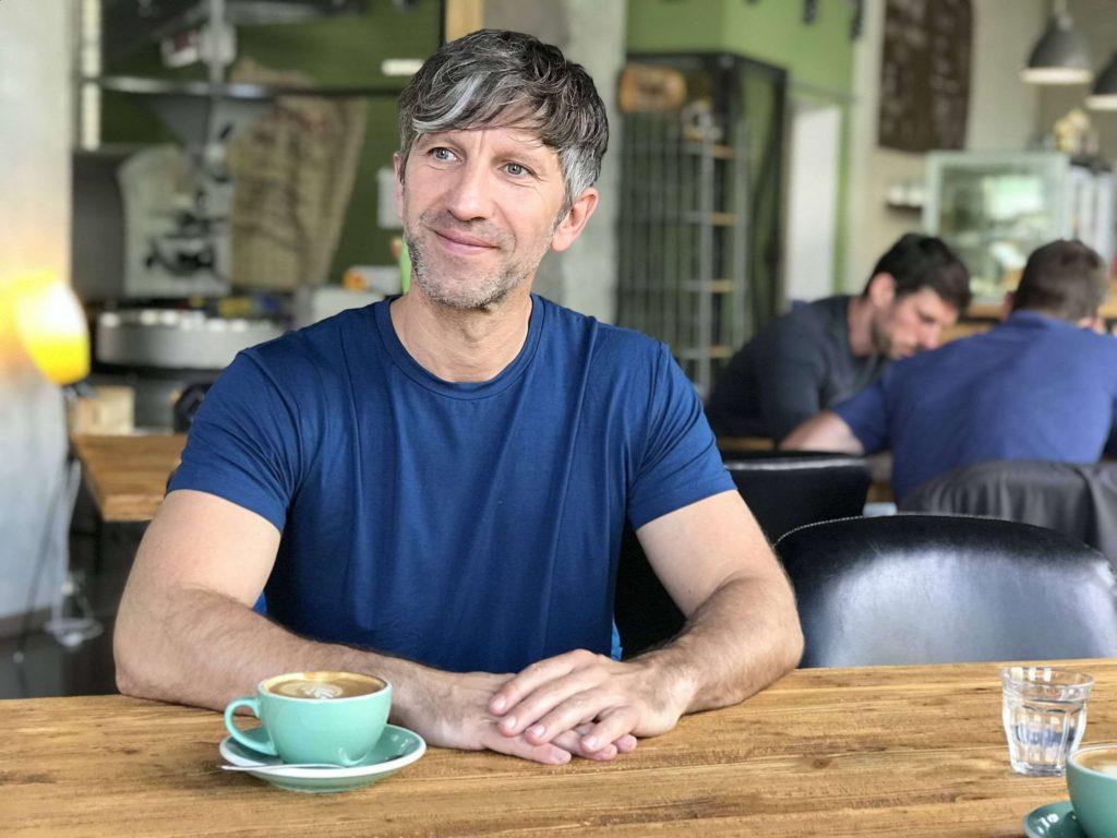 Gesichtleser Eric Standop im Interview mit yoga.ZEIT über die Kunst des Gesichtlesens